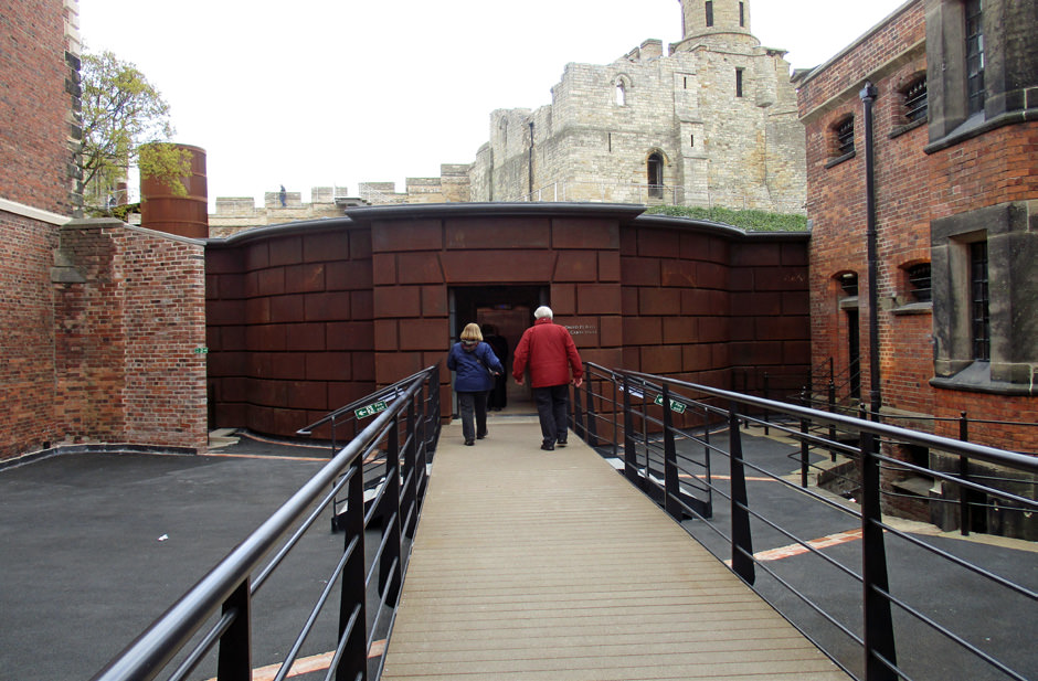 882-01 Lincoln Castle Revealed Prison & MC
