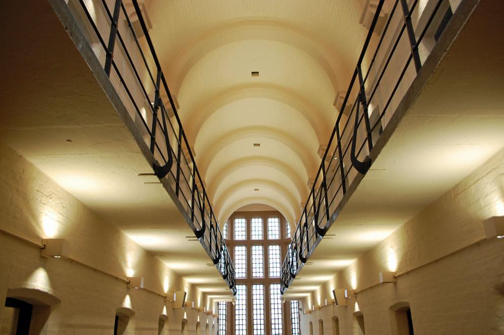 882-01 Lincoln Castle Revealed Prison & MCcdcsdca