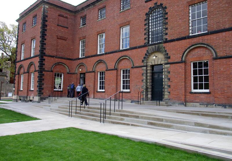 882-01 Lincoln Castle Revealed Prison & MCdsaaaaa