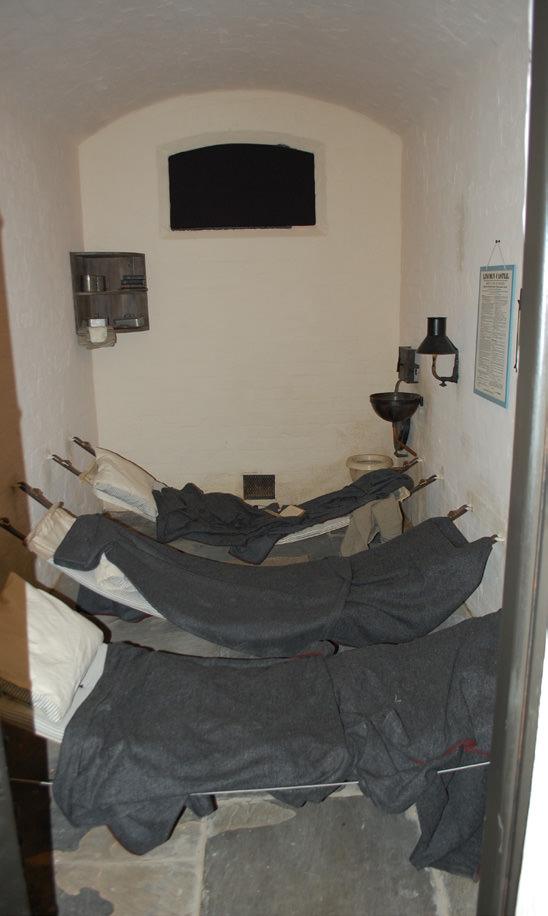 882-01 Lincoln Castle Revealed Prison & MCsssss