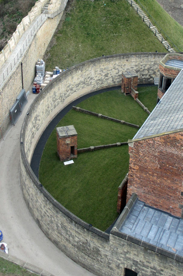 882-01 Lincoln Castle Revealed Prison & MCwqwsxd