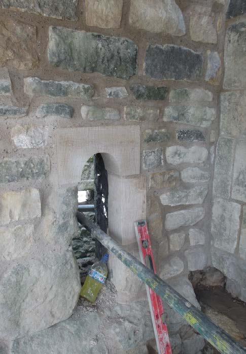 882-01 Lincoln Castle Walls11