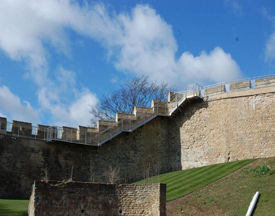 882-01 Lincoln Castle Walls4