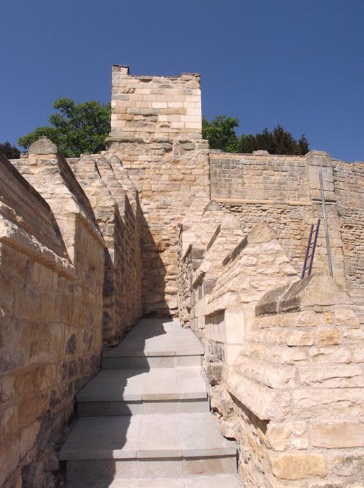 882-01 Lincoln Castle Walls9